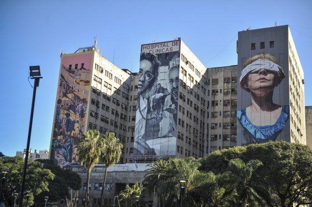 El Hospital de Clínicas se encuentra ubicado en Avenida Córdoba 2351, Capital Federal