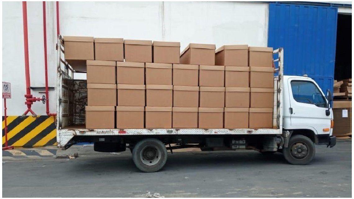 Ataúdes de cartón en Guayaquil para los muertos por coronavirus