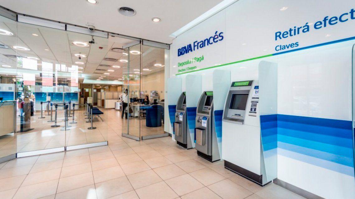 Bancos: el gremio pide un bono extra antes de reabrir la atención al público