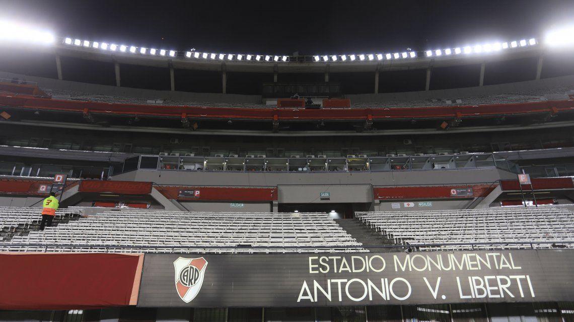 «No habrá fútbol ni a puertas cerradas por bastante tiempo»