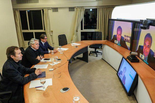 El presidente Alberto Fernández mantuvo esta tarde desde la Residencia de Olivos una videoconferencia con el titular del Banco de Desarrollo de América Latina (CAF), Luis Carranza Ugarte