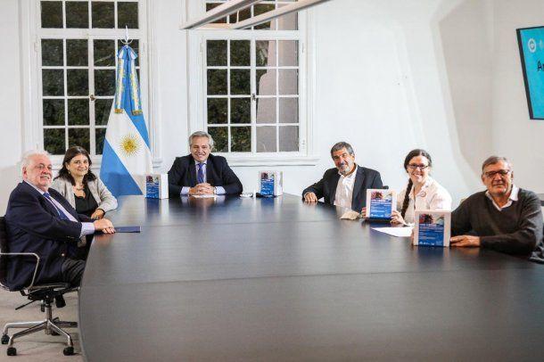 Coronavirus en Argentina: Alberto Fernández presentó el NEOKIT-COVID-19 junto a los ministros Ginés González García (Salud) y Roberto Salvarezza (Ciencia y Tecnología)