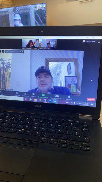 Diego Maradona mantuvo una video conferencia con Alejandra Malem de C5N y minutouno.com