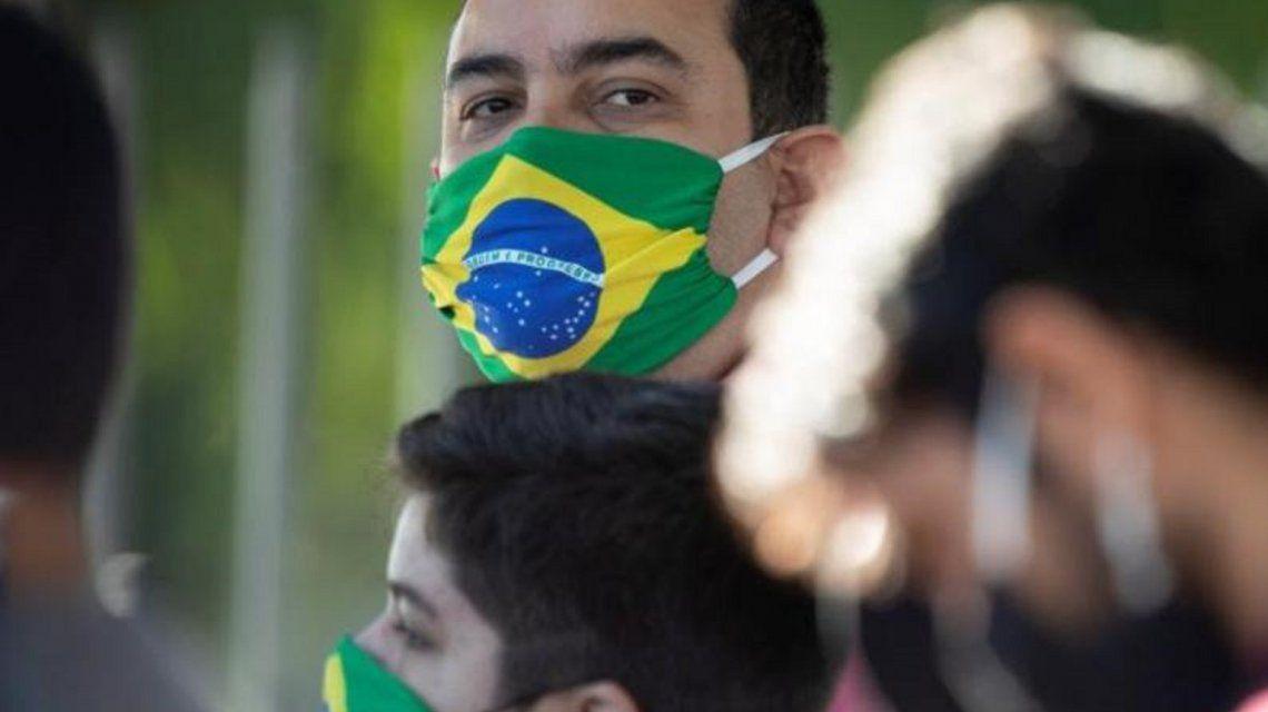 Al borde de las 30 mil muertes por coronavirus, Brasil flexibiliza su cuarentena