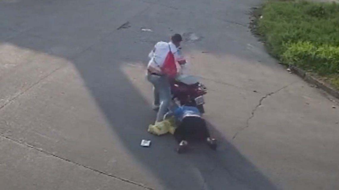Loma Hermosa: detuvieron a un sospechoso de arrastrar a una mujer con la moto en un asalto