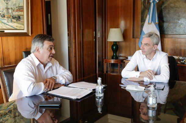 Carlos Selva con el ministro de Transporte Mario Meoni