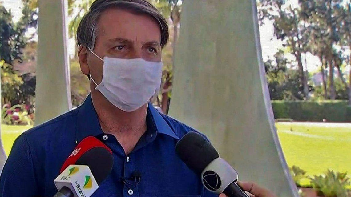 Brasil: Bolsonaro reveló que tiene una pequeña infección tras superar el coronavirus