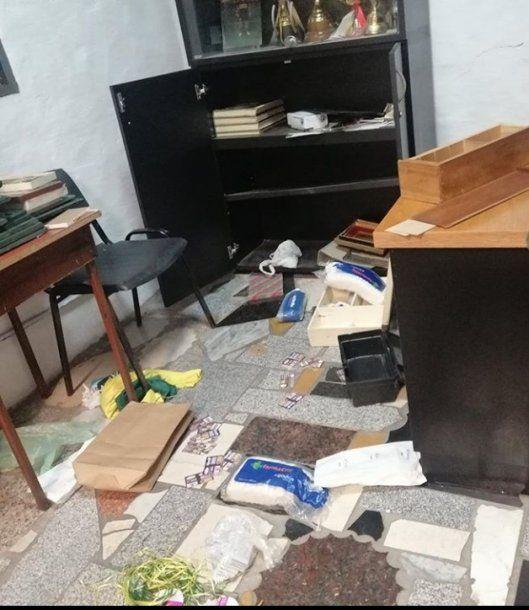 Parte de lo que rompieron los delincuentes en el club Sportivo Pereyra Barracas