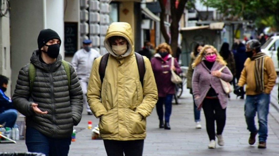 Rosario triplicó los focos de contagio y duplica los casos cada doce días