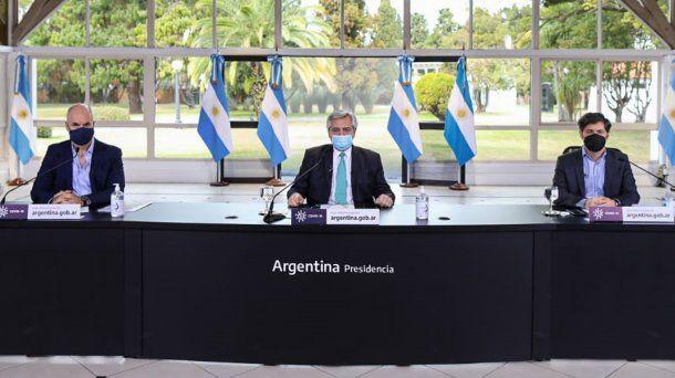 Horacio Rodríguez Larreta, Alberto Fernández y Axel Kicillof durante el anuncio de la extensión de la cuarentena