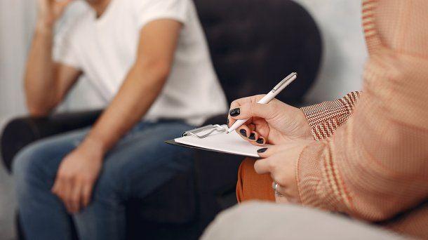 Psicólogos caredráticos, proferores e inspectores de Salud son algunas de las profesiones para aplicar