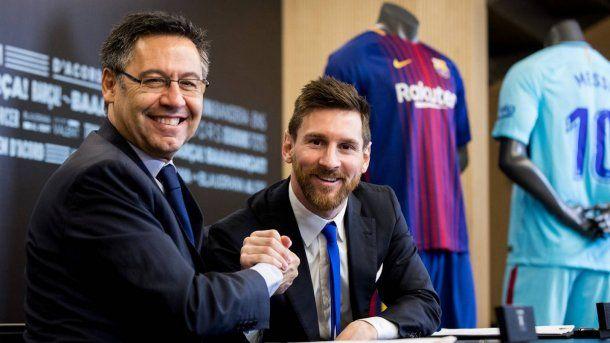 Josep Maria Bartomeu y Lionel Messi