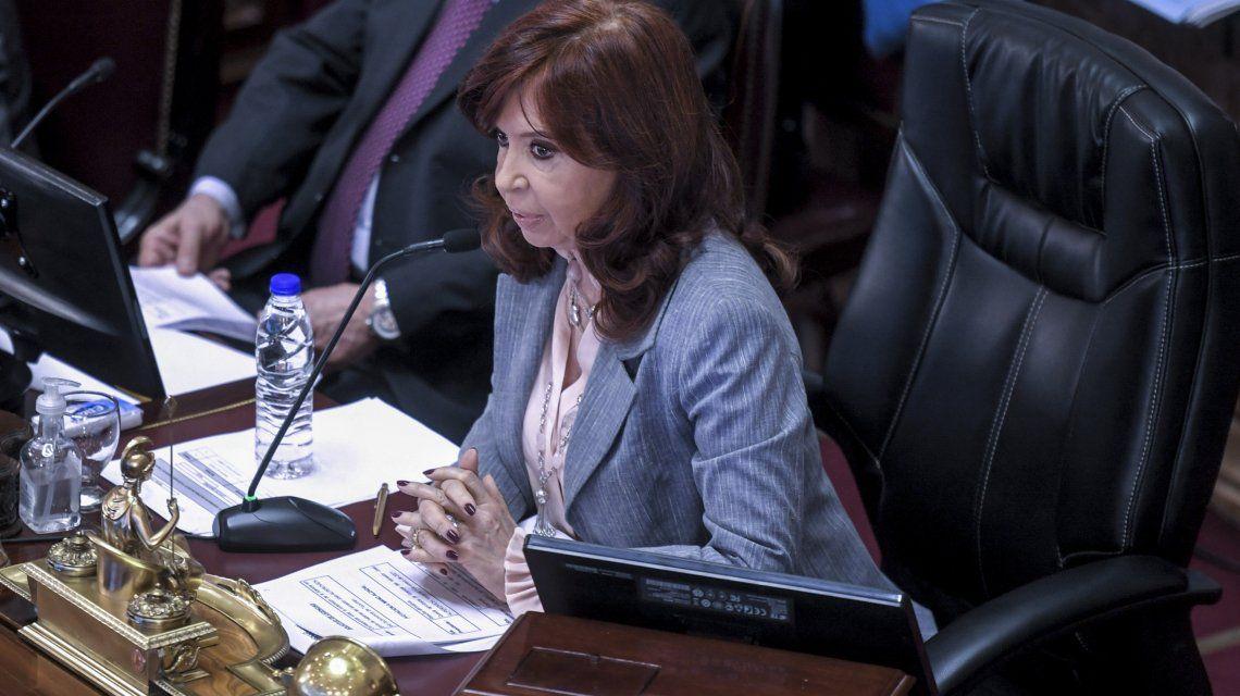 Cristina Kirchner dijo que el dólar es el problema más grave del país y criticó a algunos funcionarios