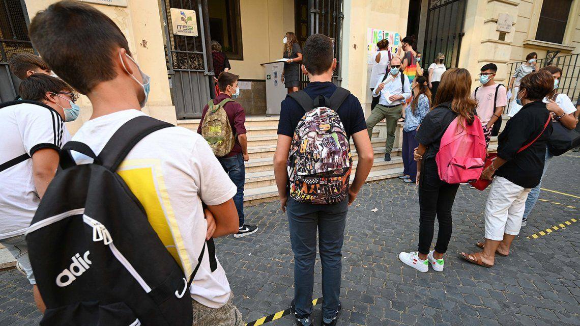 En medio del rebrote de coronavirus, Italia reabrió las escuelas en casi todo el país