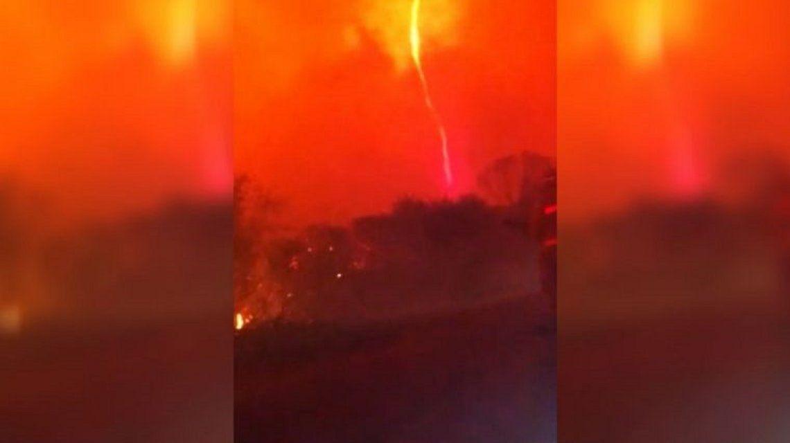 VIDEO: Se formó un tornado de fuego en los incendios de Córdoba