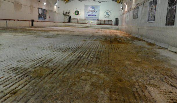 Sin hielo: así luce hoy la pista de Alpina Skate