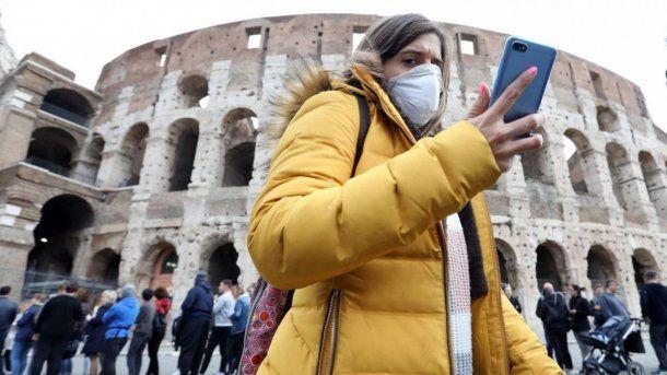 El Gobierno italiano recomienda por decreto el uso de barbijo dentro de las casas.