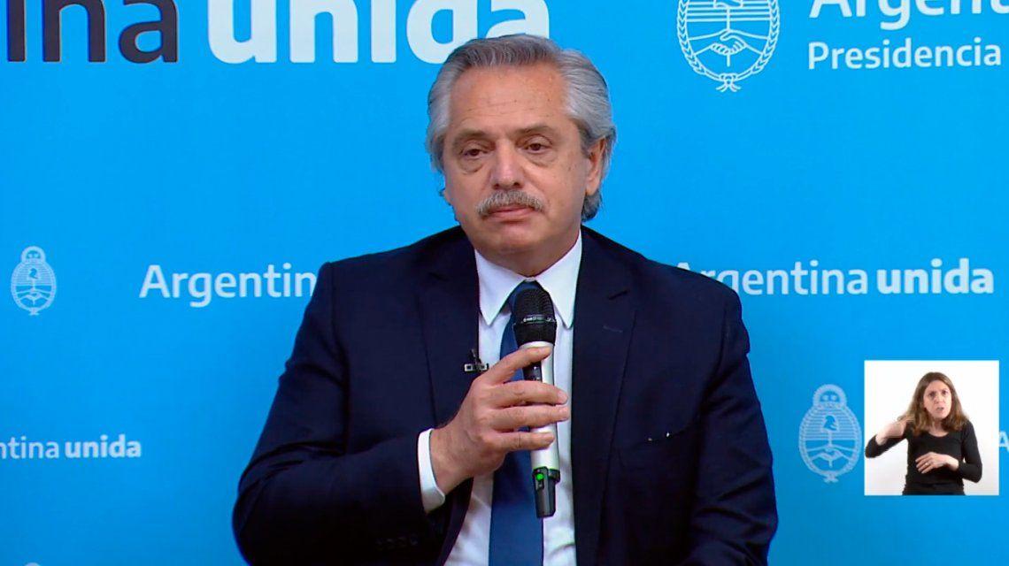 Alberto Fernandez: Es imperdonable que haya indocumentados en Argentina