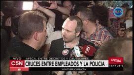 Cruces y tensión entre los despedidos y la policía en las puertas de la Afsca
