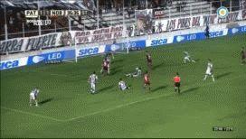 A lo Palacio ante Alemania: Amoroso se come el gol del triunfo de Newells ante Patronato