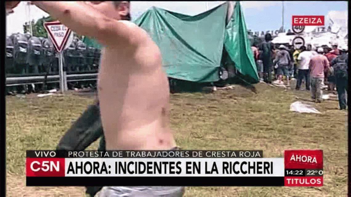 VIDEO: Así resultó herido un manifestante en la protesta de Cresta Roja