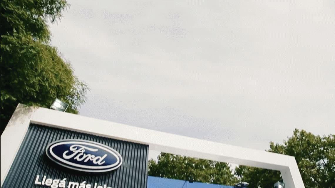 Ford recibió a sus clientes en el Hipódromo y chequeó más de 1400 autos