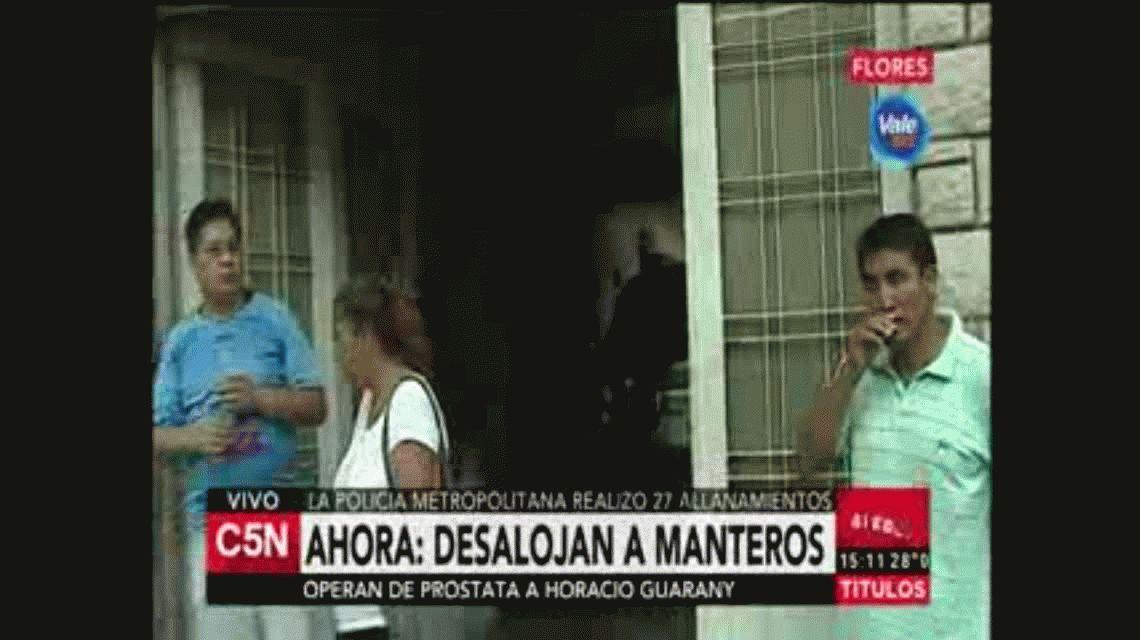 Vecino de manteros de Flores increpó a periodista de C5N