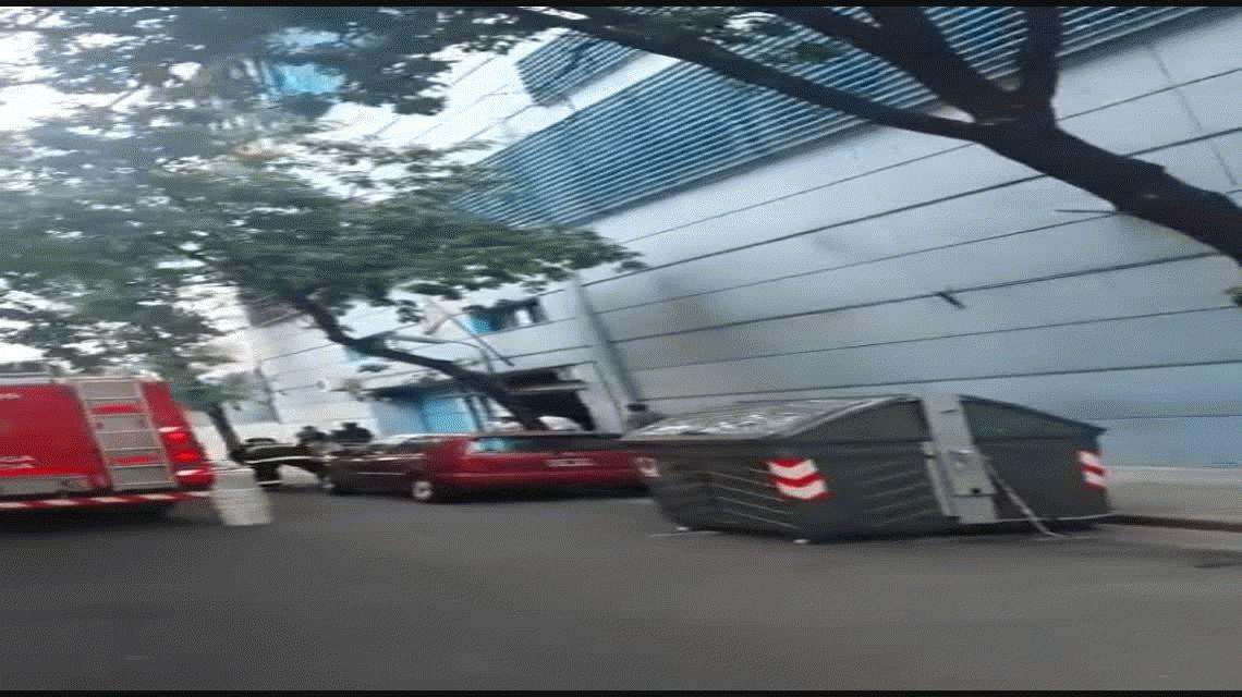 VIDEO: Así quedó el depósito de utilería que se incendió en Canal 13 y TN