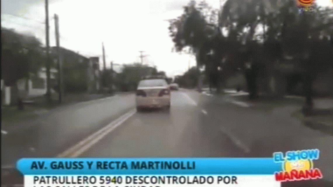 Patrullero fuera de control casi provoca una tragedia en Córdoba