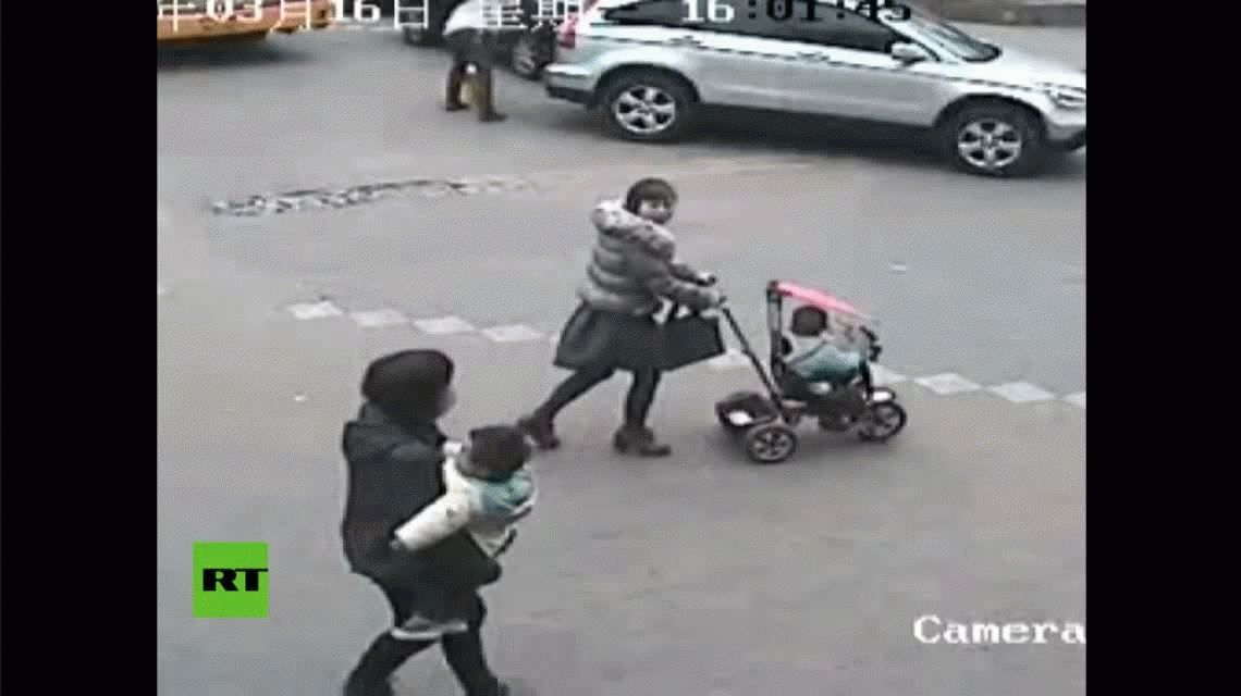 La increíble suerte de un niño: lo atropellaron y se salvó de milagro