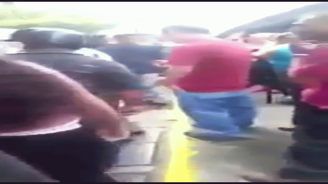 Locura en Caracas: vecinos quemaron vivo a un ladrón
