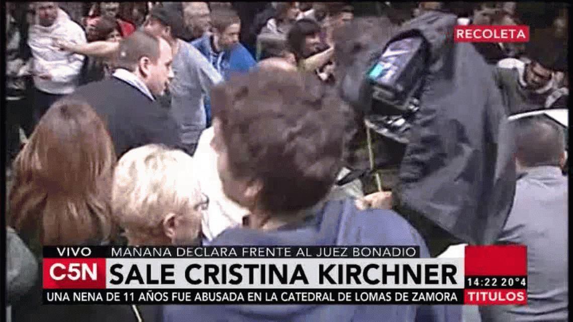 La militancia hace vigilia en la casa de CFK mientras prepara la megamarcha de este miércoles