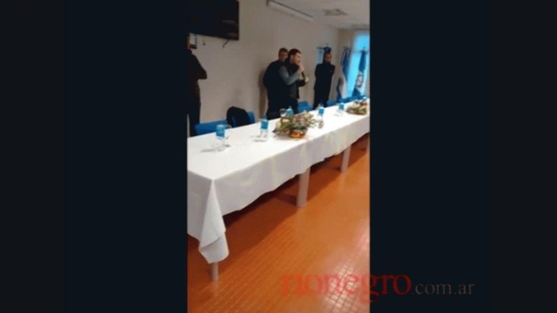 VIDEO: Galuccio se quebró al despedirse de empleados de YPF