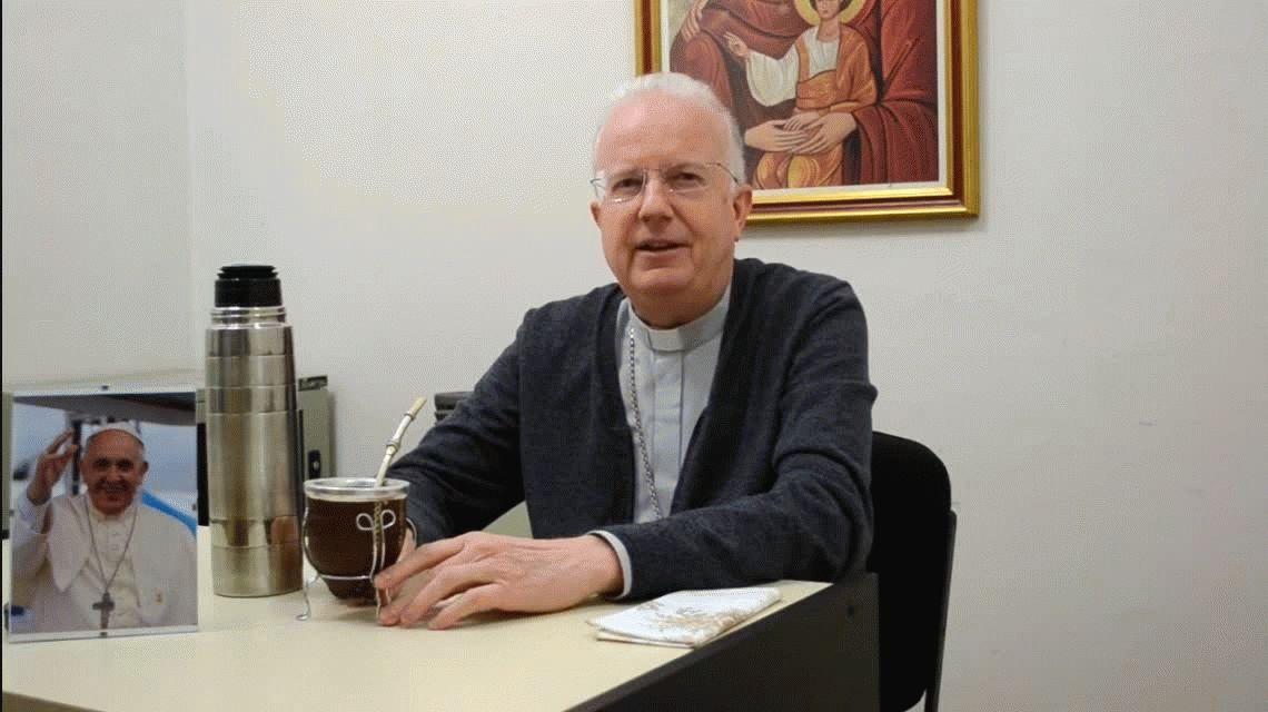 El obispo de Zárate-Campana desautorizó al cura que prohibía que las mujeres usen calza