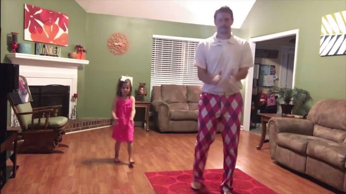 Un dúo de padre e hija derriten la web con su rutina de baile