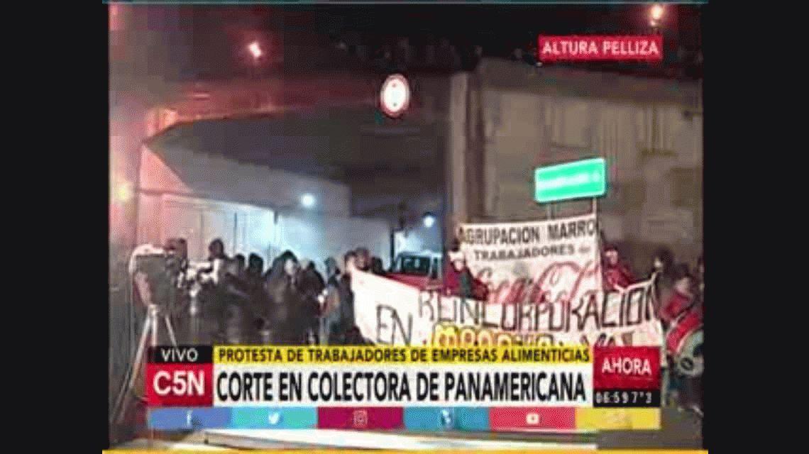Empleados alimenticios cortan la colectora en Panamericana