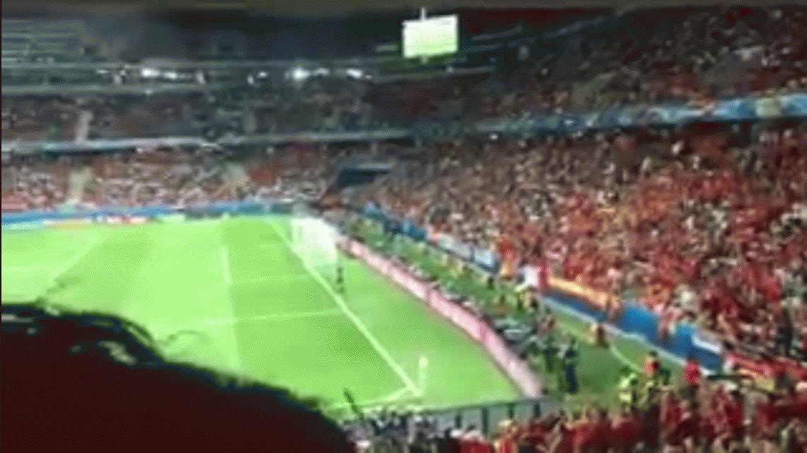 VIDEO: La reacción de Arda Turán, insultado por sus hinchas y aplaudido por los rivales