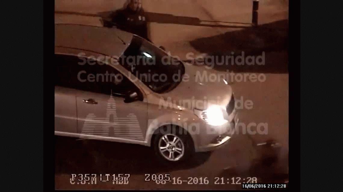 Palos, piñas y patadas: mirá la discusión de tránsito que terminó en una violenta pelea