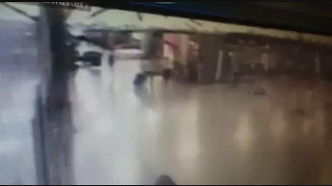 Así se inmolaba uno de los atacantes en el aeropuerto de Estambul