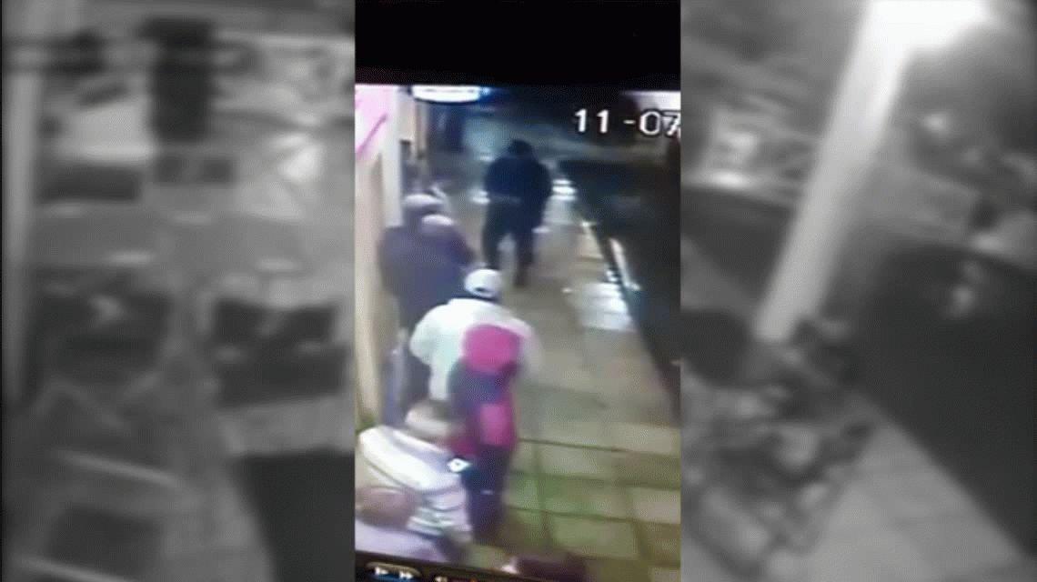VIDEO: Así fue el golpe comando a un centro de pagos en Ciudad Evita