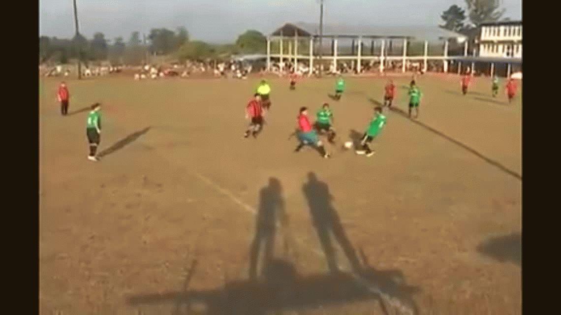 Misiones: brutal trompada desató una batalla campal en un partido de fútbol