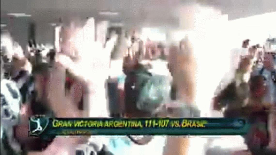 VIDEO: Impactante festejo de los hinchas argentinos tras la hazaña del básquetante Brasil