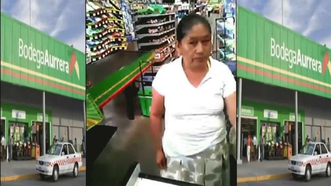 VIDEO: Robó cajas de chicles, la descubrieron y tuvo que devolver todo
