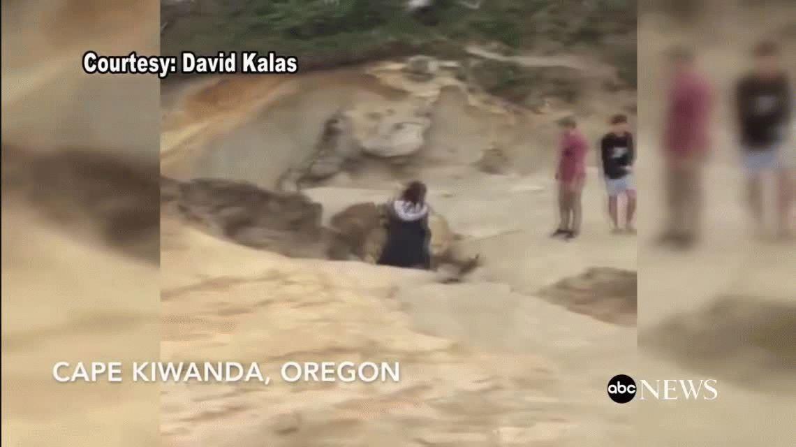 Unos chicos destrozaron un monumento natural y fueron capturados en video
