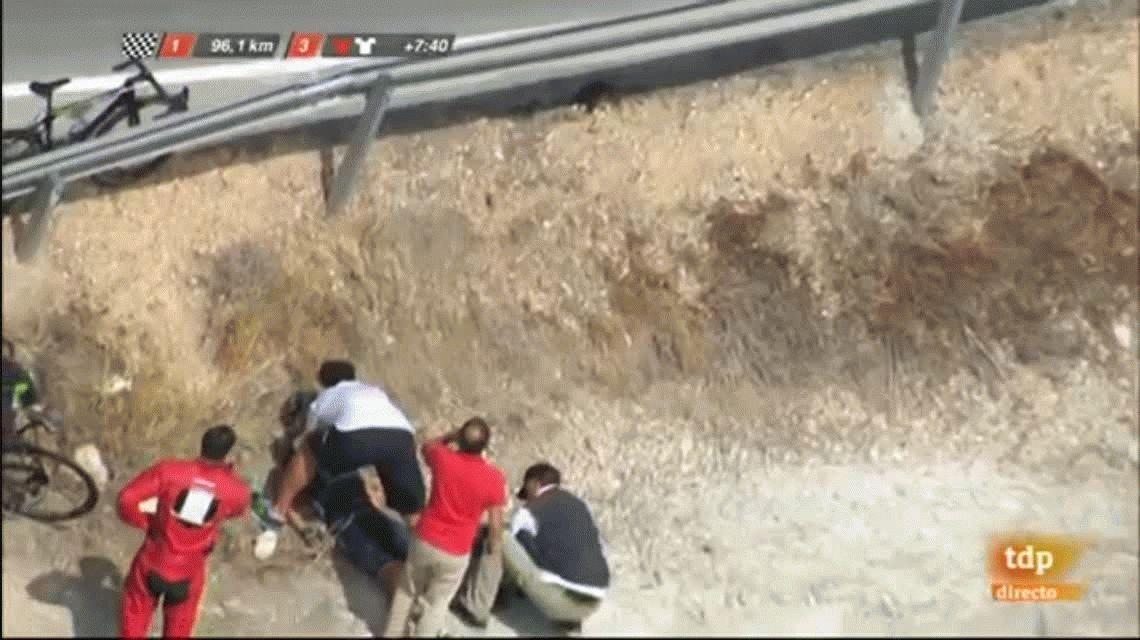 Terrible: la escalofriante caída de un ciclista español durante una carrera