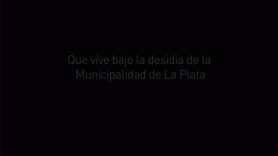 Vecinos de La Plata tiran su basura a la Municipalidad, hartos de no tener servicio de recolección