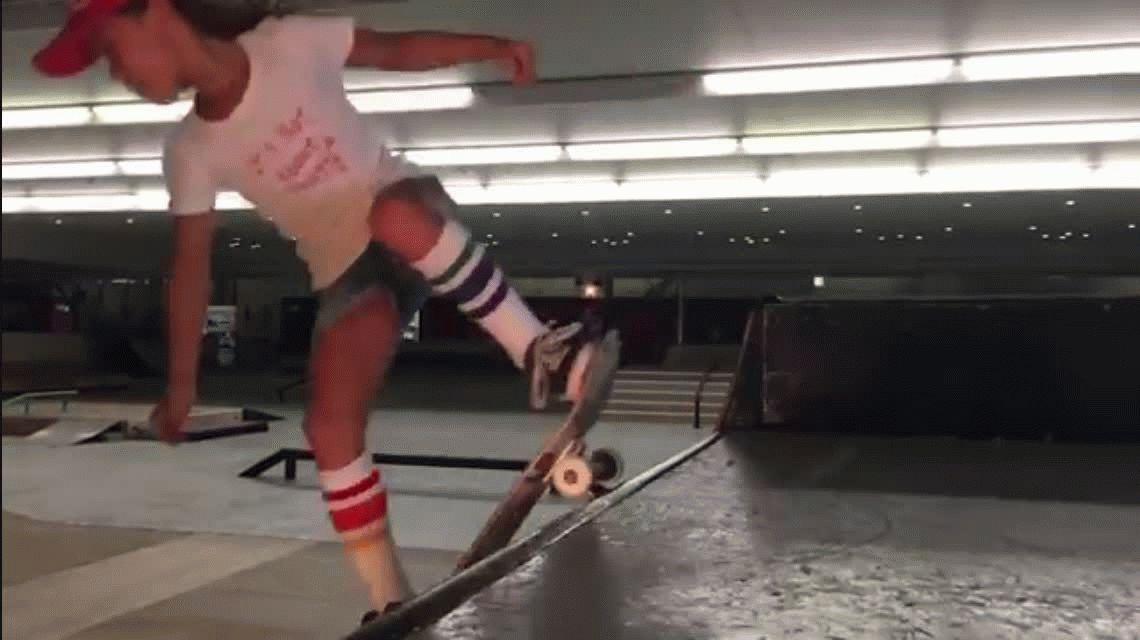 VIDEO: La asombrosa niña skater que desafía a la Ley de Gravedad