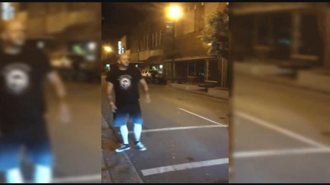 VIDEO: Se hizo el guapo con una mole y terminó en el suelo