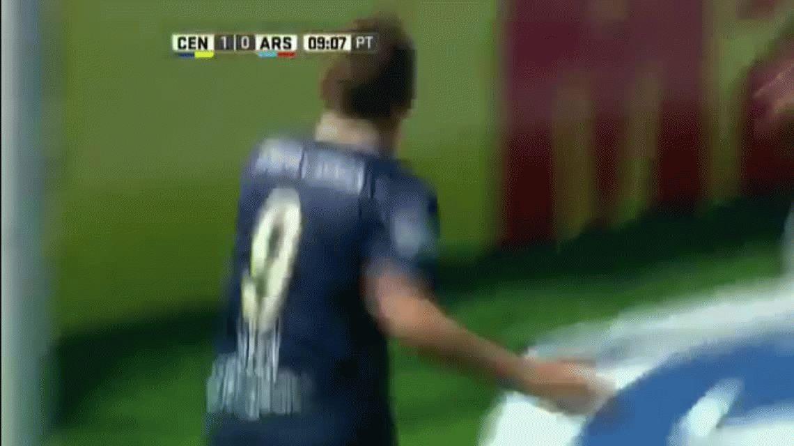 Rosario Central volvió a jugar en un gran nivel y goleó a Arsenal en Arroyito