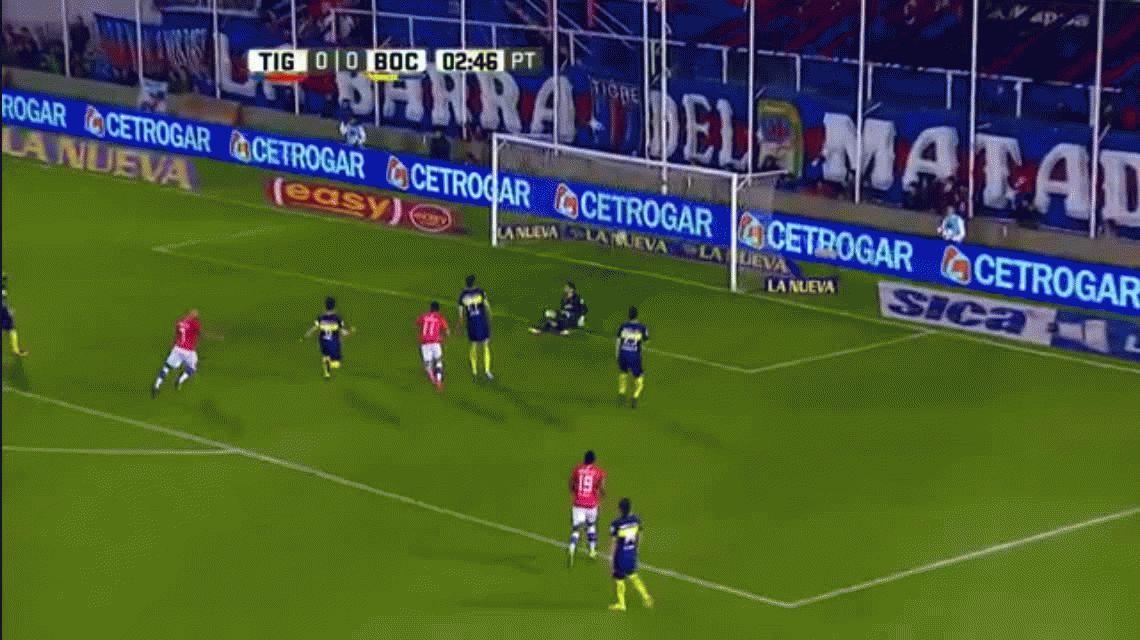 Pablo Pérez canchereó y Diego Morales no perdonó a Boca